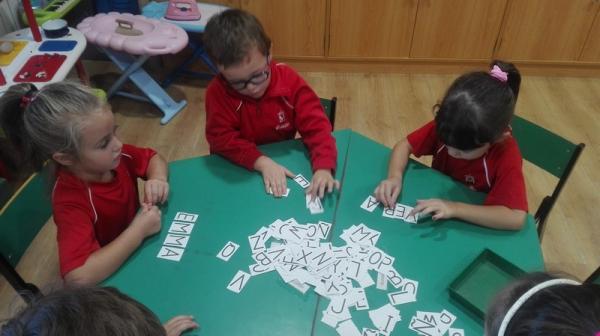 Aprendiendo nuestros nombres (10)