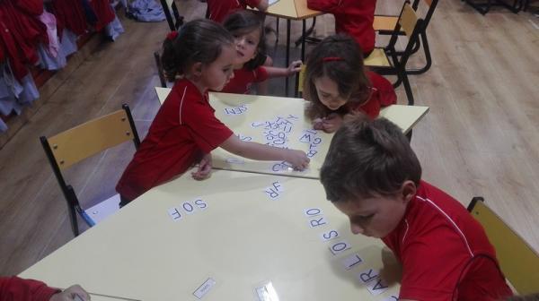 Aprendiendo nuestros nombres (7)