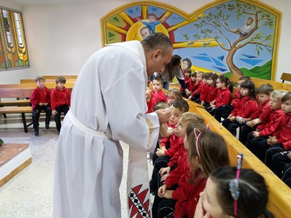Besando al niño Jesús (7)