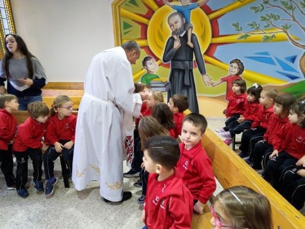 Besando al niño Jesús (8)