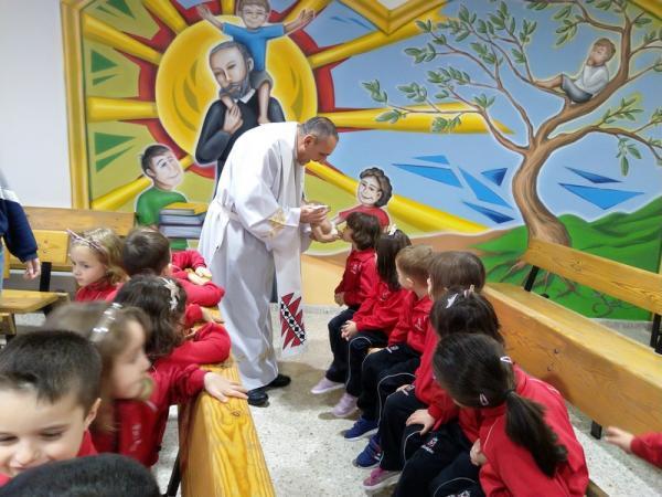 Besando al niño Jesús (9)